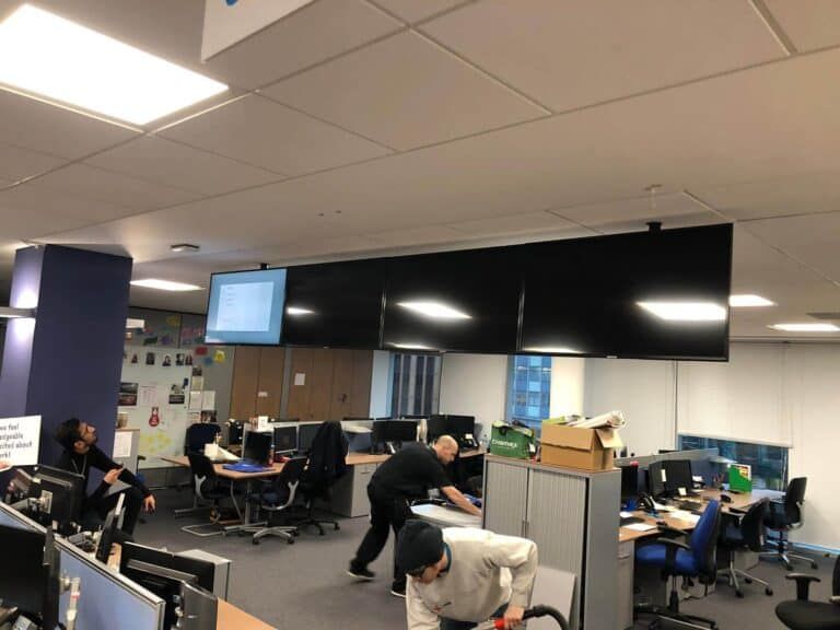 Installing-TVs-into-Offices-London
